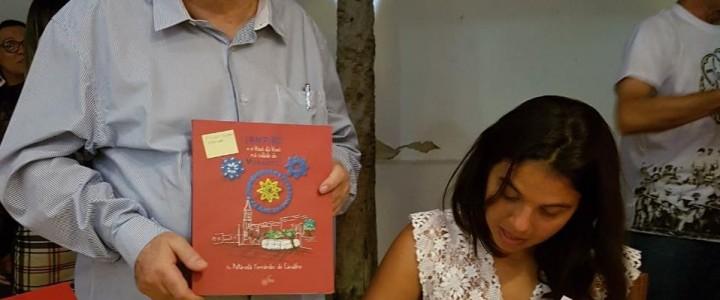 Bisneta de Rodolfo Fernandes lança livro em Mossoró