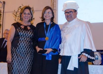 Autora de livro editado pela Coleção Mossoroense é homenageada